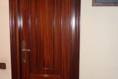 Puerta y pared antes de pintar
