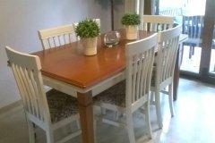 Mesa y sillas de comedor pintadas con Blanco Antiguo