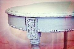 Mesa pintada con Poetic de Autentico