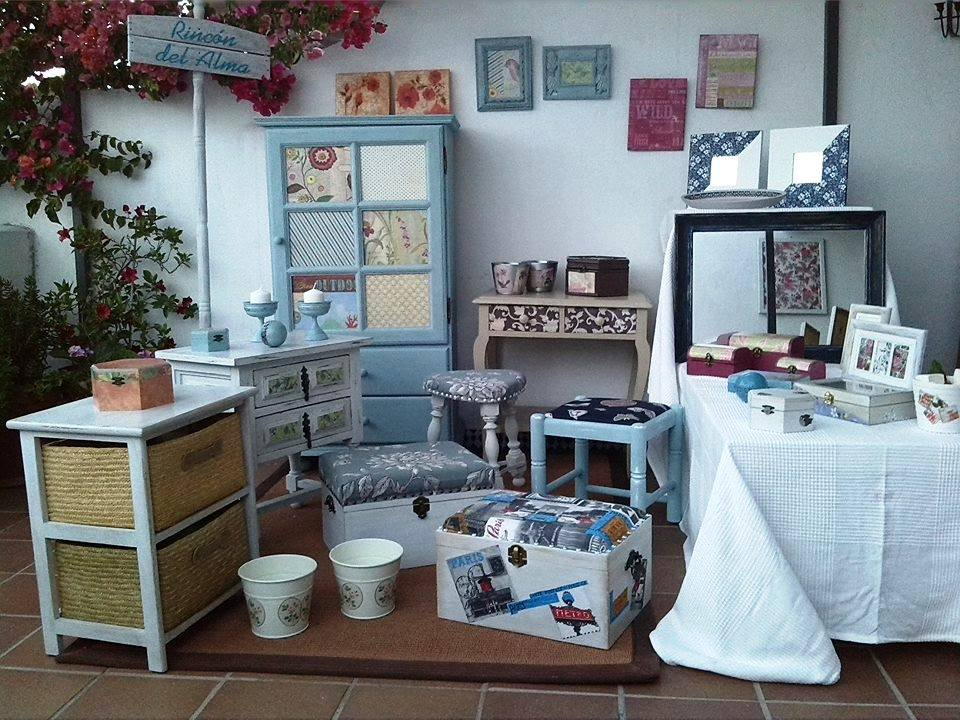 Fotos de muebles pintados con chalk paint reci n pintado for Muebles pintados de colores