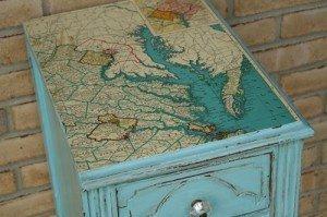 Mesita sobre decoupage autentico chalk paint malaga